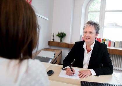 Gabriele Greiner-Zimmermann vertritt Sie in Sachen Ehe- und Familienrecht